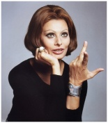 sophia-loren-is-wearing-elsa-perettis-22bone22-cuff-bracelet-photo-by-francesco-scavullo